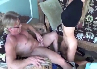 Blonde stepdaughter knows what her dad likes